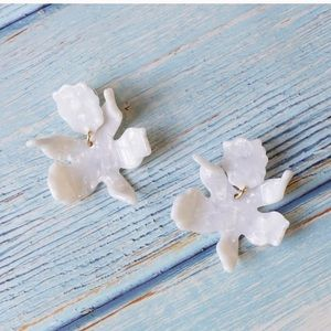 Lele Sadoughi look-alike Small Paper Lily Earrings